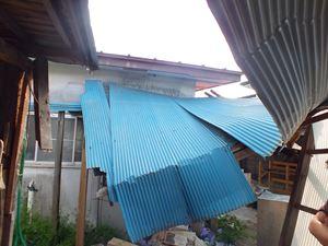 積雪による屋根の歪み、破損