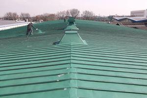 工場のトタン屋根