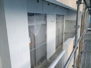 バルコニー外壁下塗り後