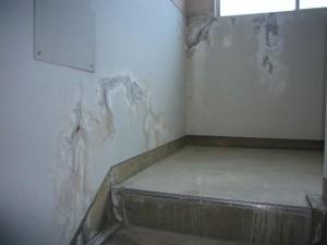共用廊下内壁