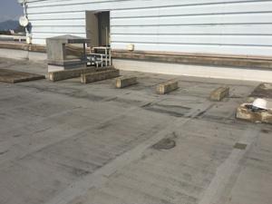 屋上の機械架台施工前