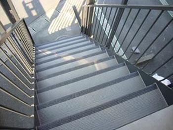 階段塩ビステップ貼り替え
