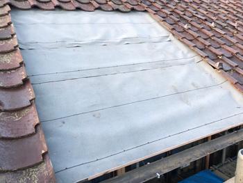 2階瓦屋根