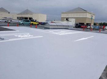 某ショッピングモール駐車場防水工事|高強度型超速硬化ウレタンスプレー防水